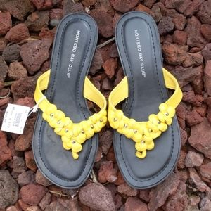 NWT yellow flower sandals